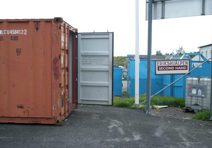 Container för återbruk på Johannedals återvinningscentral